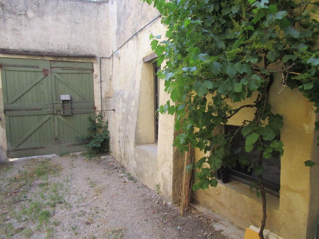 Achat Maison 7 pièces à Entraigues-sur-la-Sorgue - vignette-1