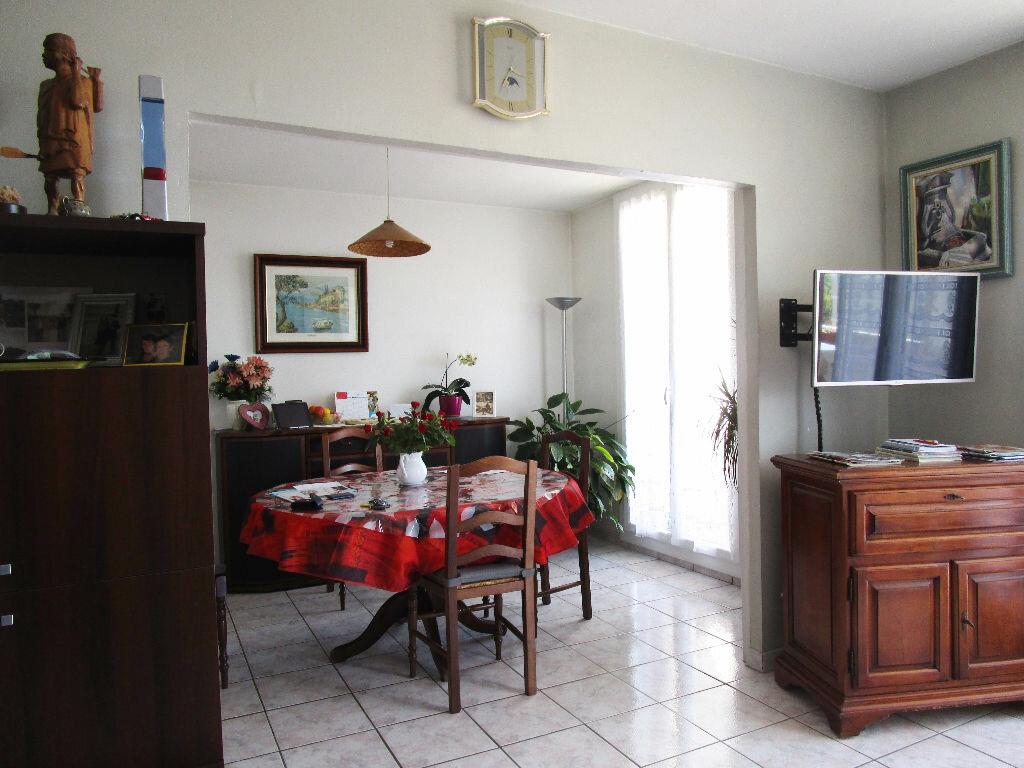 Achat Appartement 4 pièces à Avignon - vignette-5