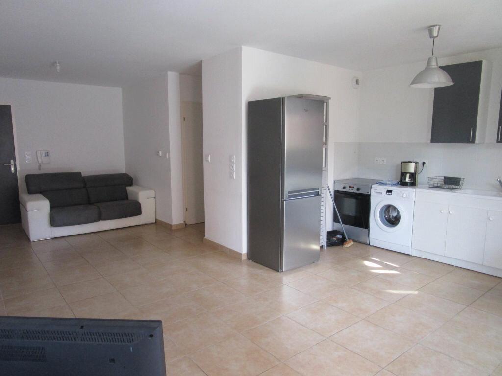 Achat Appartement 3 pièces à Morières-lès-Avignon - vignette-1