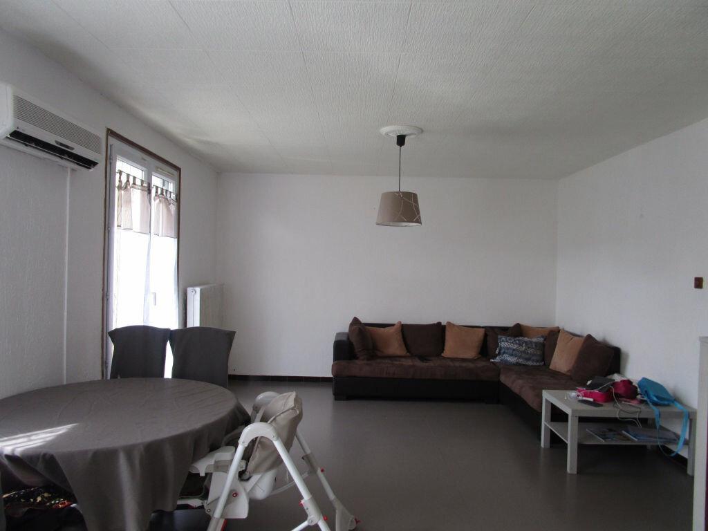 Location Appartement 3 pièces à Le Pontet - vignette-1