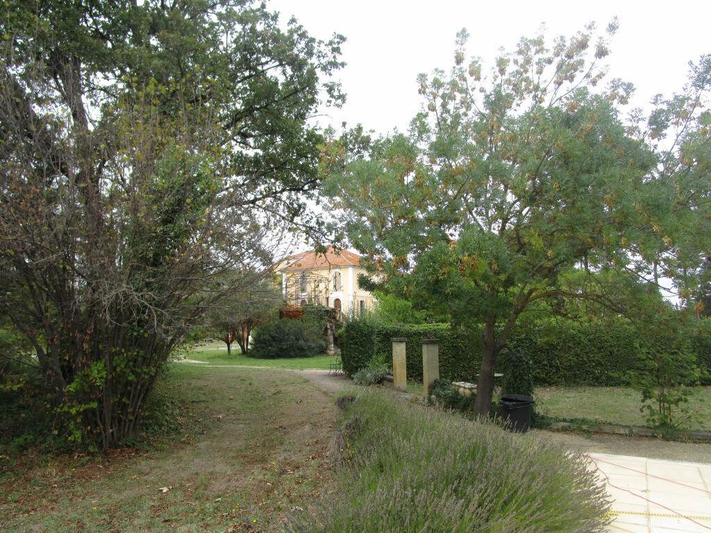 Achat Maison 22 pièces à Entraigues-sur-la-Sorgue - vignette-5