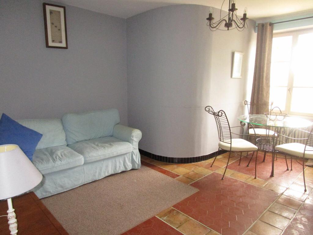 Achat Maison 22 pièces à Entraigues-sur-la-Sorgue - vignette-11