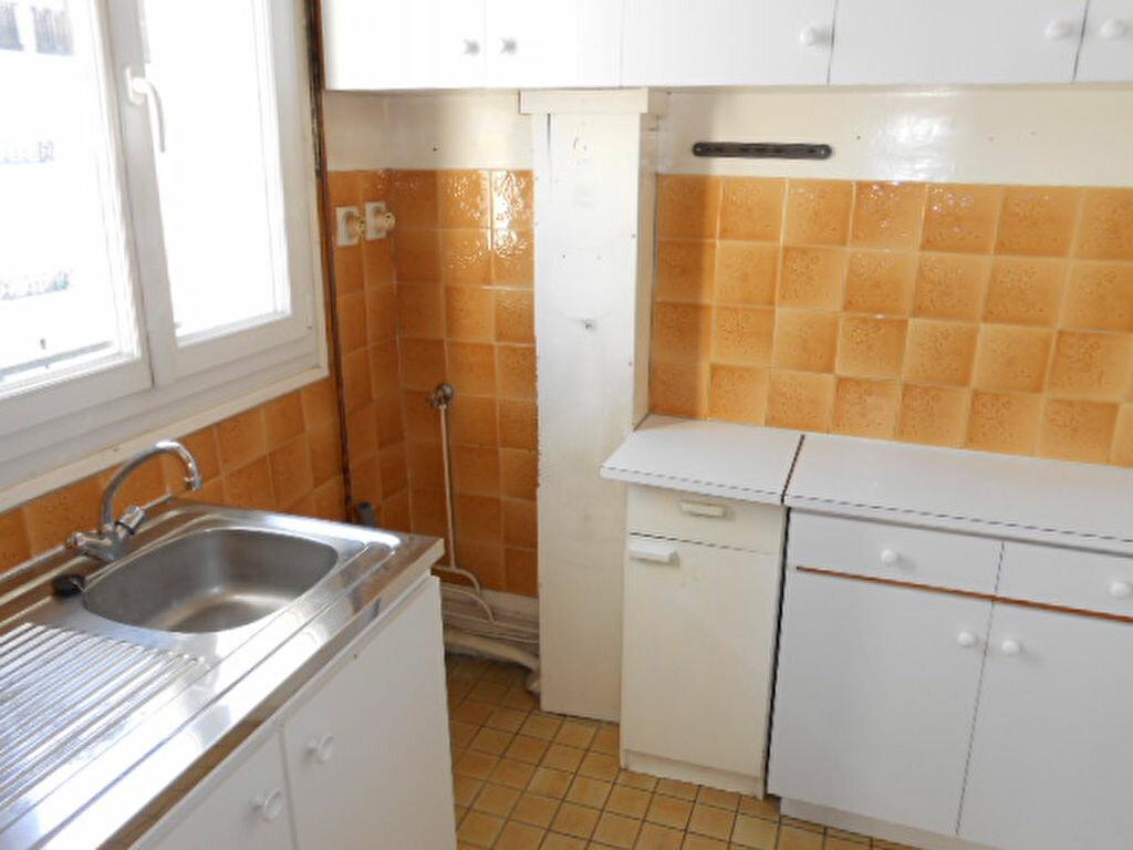 Achat Appartement 3 pièces à Colombes - vignette-2