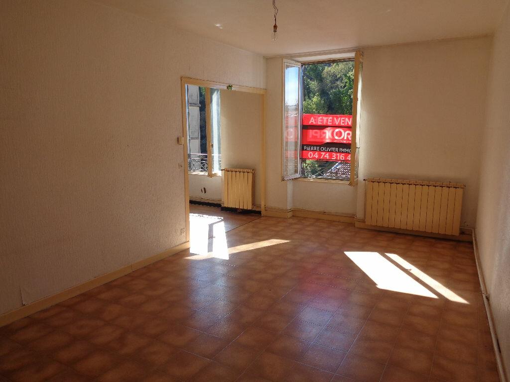 Achat Appartement 3 pièces à Vienne - vignette-2