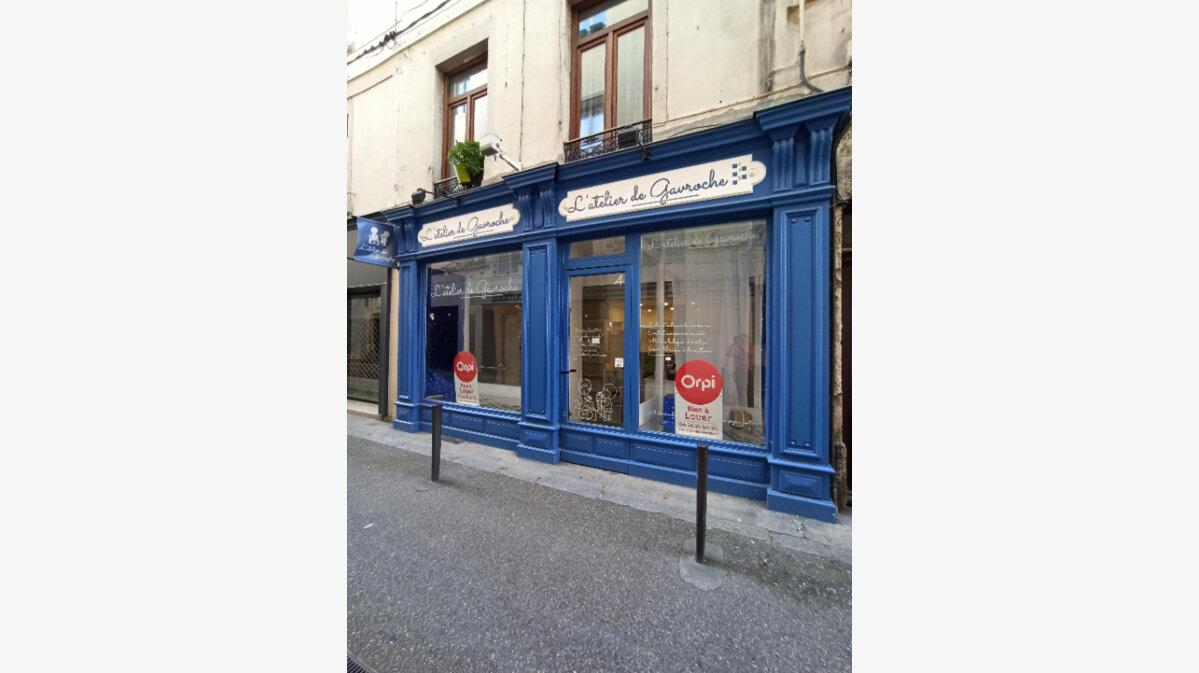 Location Local commercial  à Vienne - vignette-1