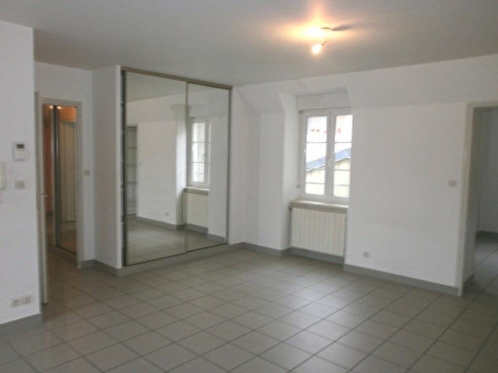 Location Appartement 4 pièces à Vienne - vignette-1