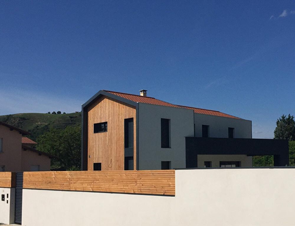 Achat Maison 6 pièces à Sainte-Colombe - vignette-1