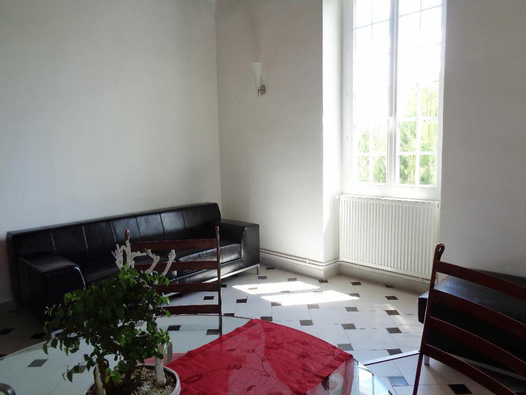 Achat Appartement 4 pièces à Estrablin - vignette-3