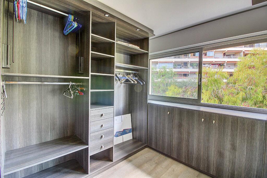 Achat Appartement 4 pièces à Antibes - vignette-9