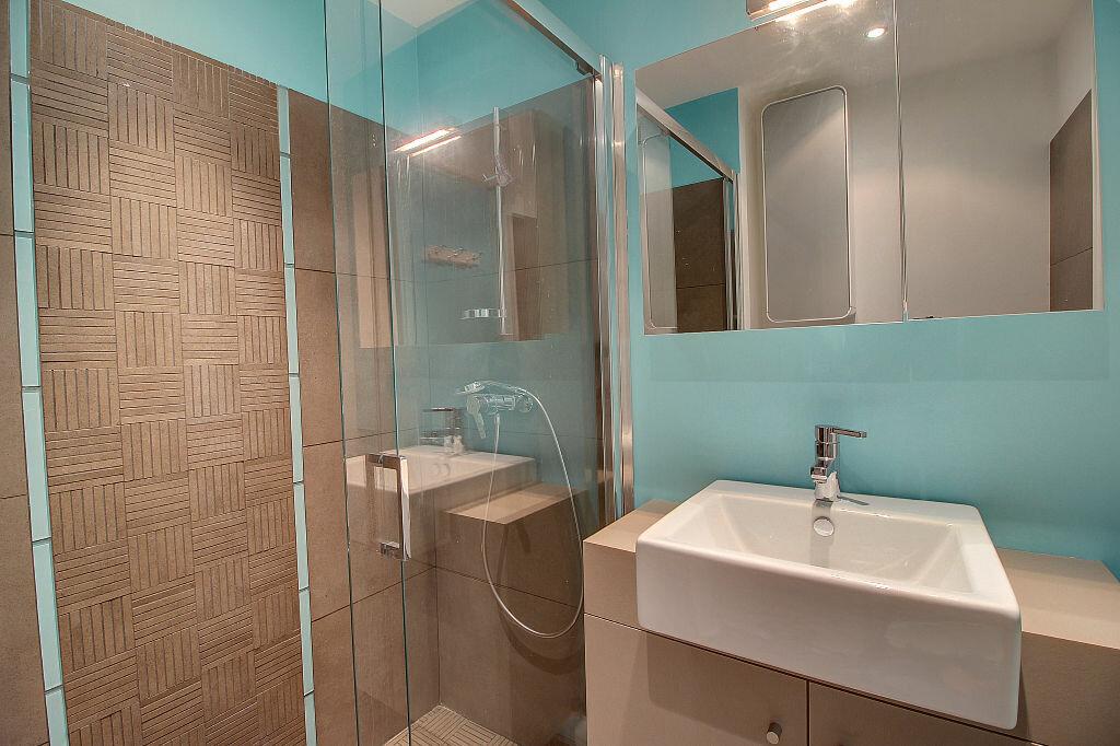 Achat Appartement 4 pièces à Antibes - vignette-7