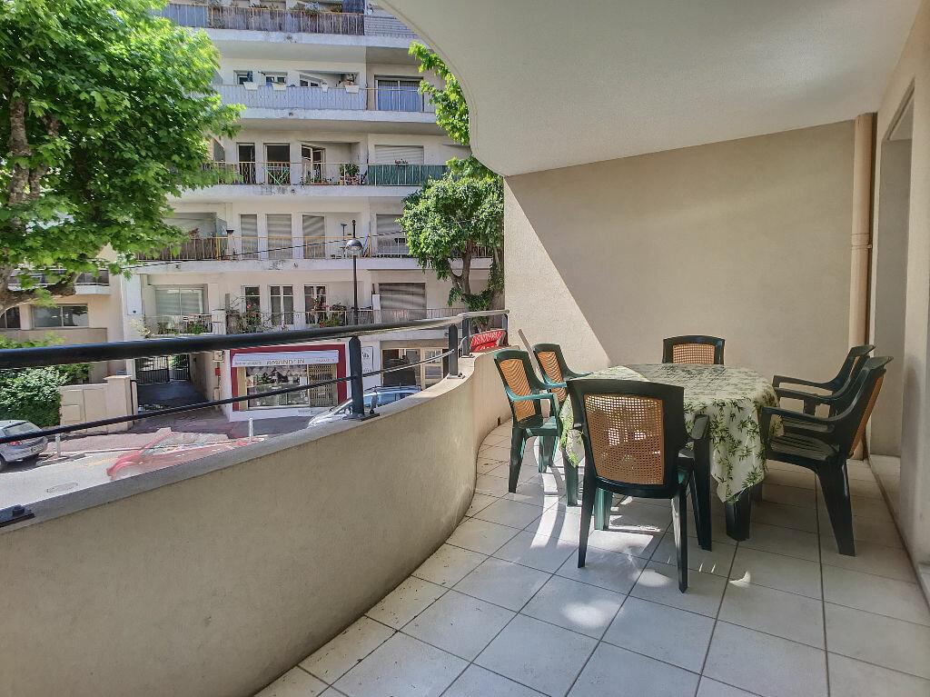 Achat Appartement 3 pièces à Antibes - vignette-2