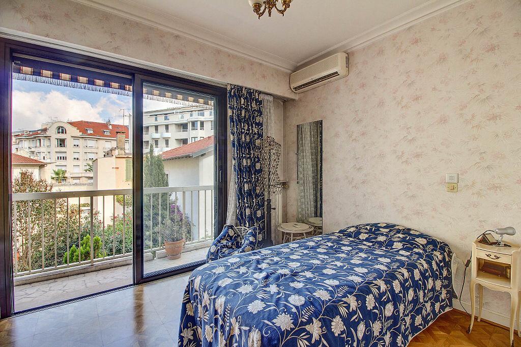 Achat Appartement 3 pièces à Antibes - vignette-3