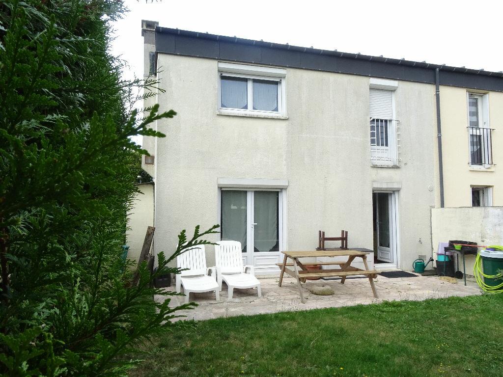 Location Maison 4 pièces à Menucourt - vignette-1