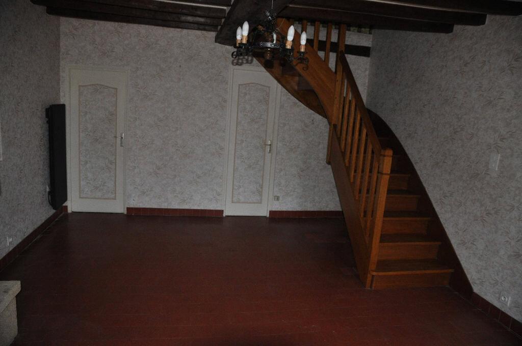 Location Maison 4 pièces à Boulleret - vignette-3