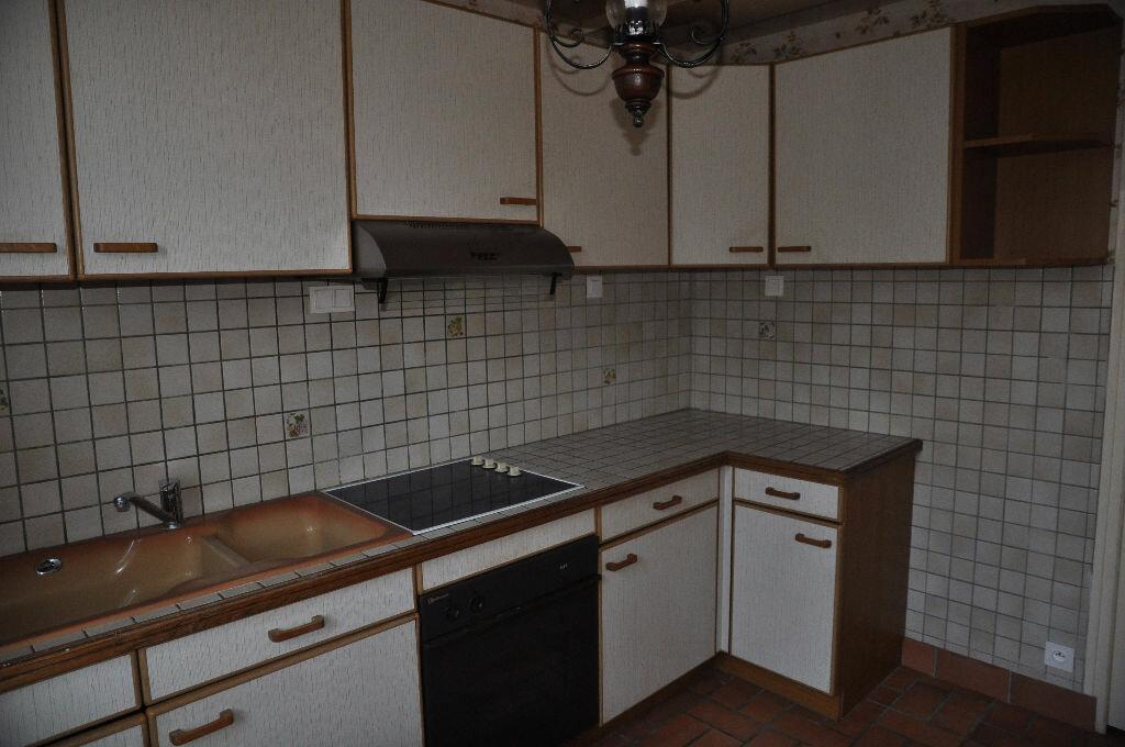 Location Maison 4 pièces à Boulleret - vignette-6