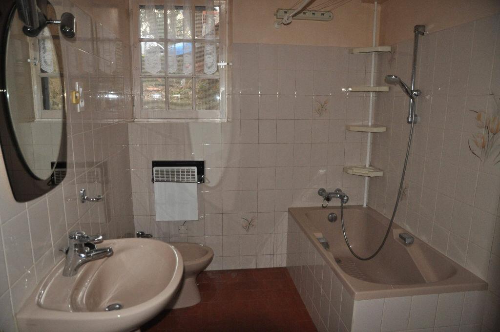 Location Maison 4 pièces à Boulleret - vignette-7