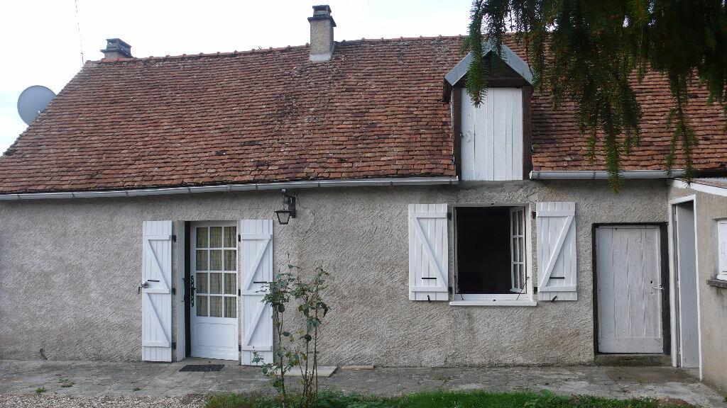 Location Maison 2 pièces à Beaulieu-sur-Loire - vignette-1