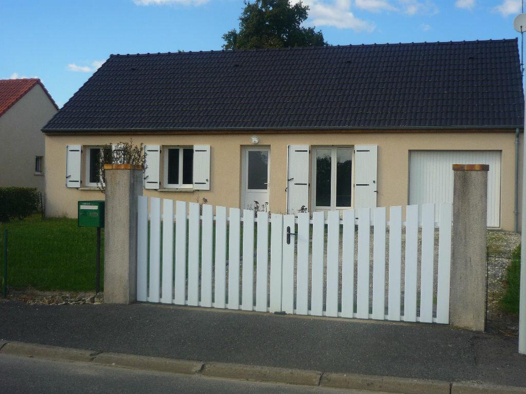 Location Maison 5 pièces à Neuvy-sur-Loire - vignette-3