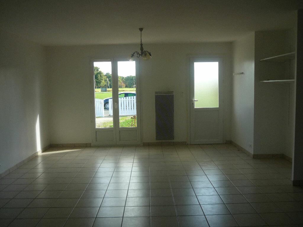Location Maison 5 pièces à Neuvy-sur-Loire - vignette-6