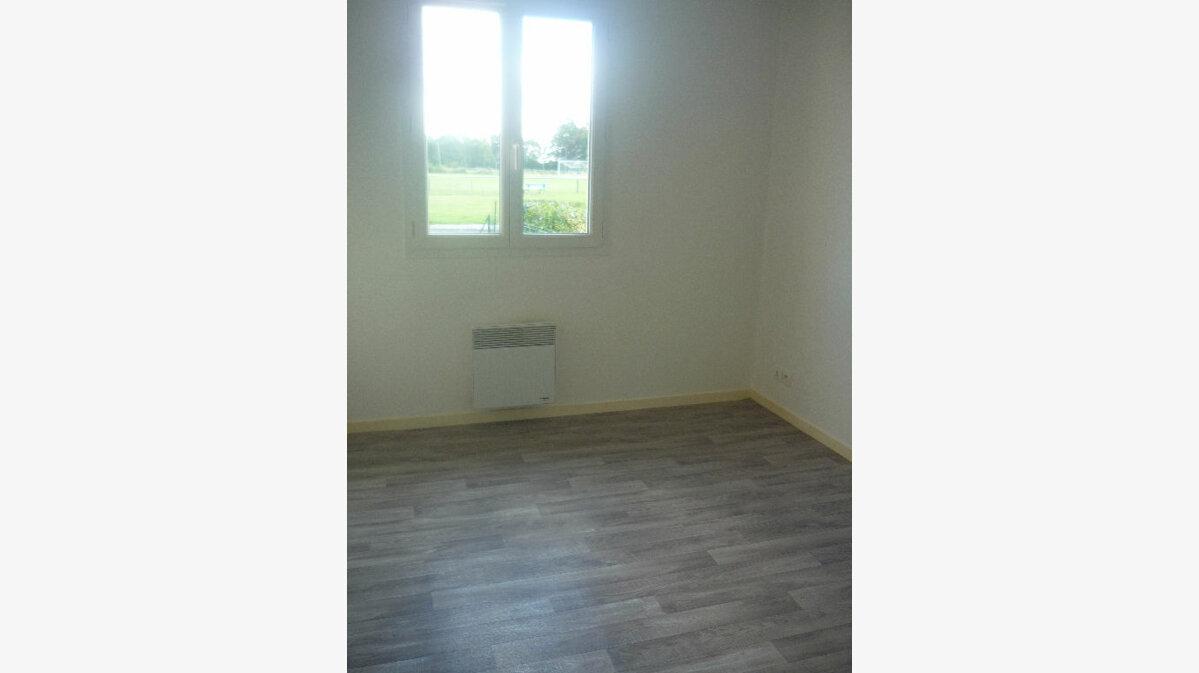Location Maison 5 pièces à Neuvy-sur-Loire - vignette-7