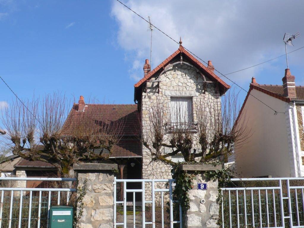 Location Maison 5 pièces à Cosne-Cours-sur-Loire - vignette-1