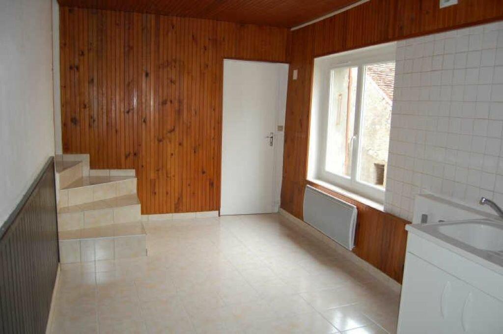 Location Maison 3 pièces à Sancerre - vignette-4