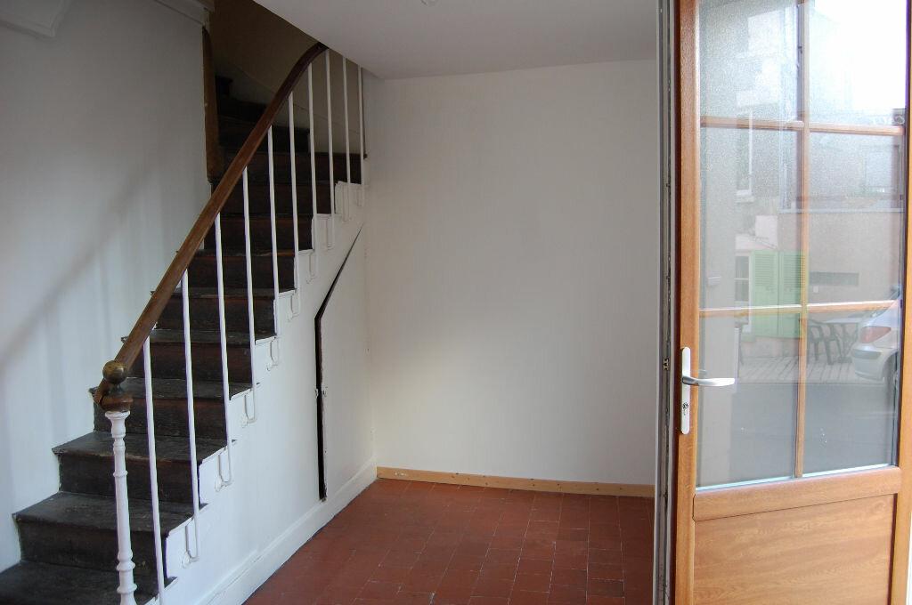 Location Maison 3 pièces à Sancerre - vignette-2
