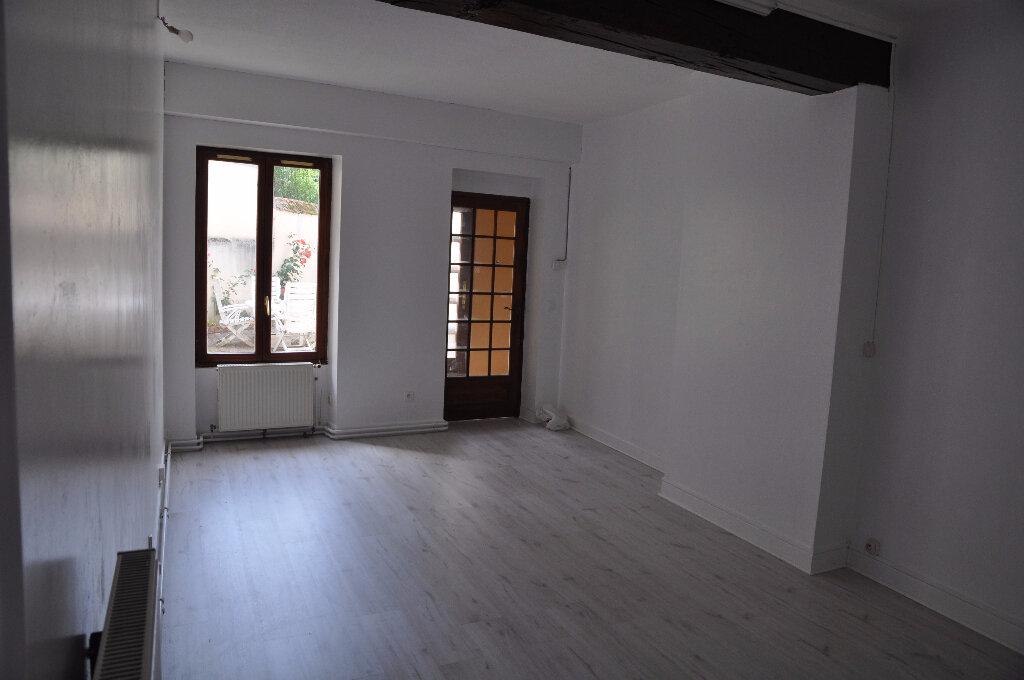 Location Appartement 3 pièces à Cosne-Cours-sur-Loire - vignette-3