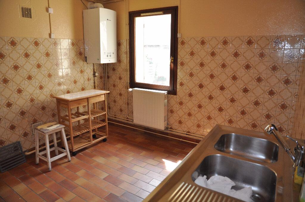 Location Appartement 3 pièces à Cosne-Cours-sur-Loire - vignette-4