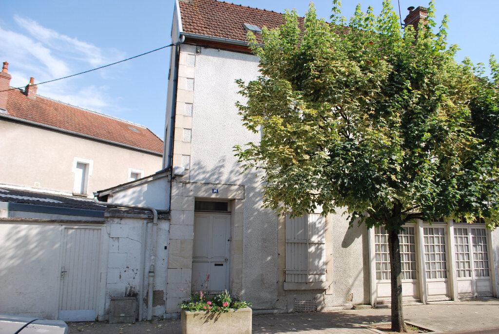 Achat Maison 5 pièces à Cosne-Cours-sur-Loire - vignette-13