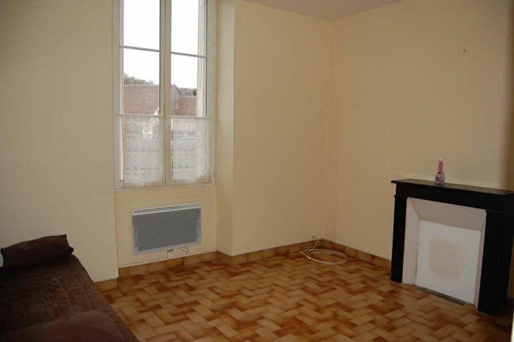 Location Appartement 2 pièces à Crézancy-en-Sancerre - vignette-1