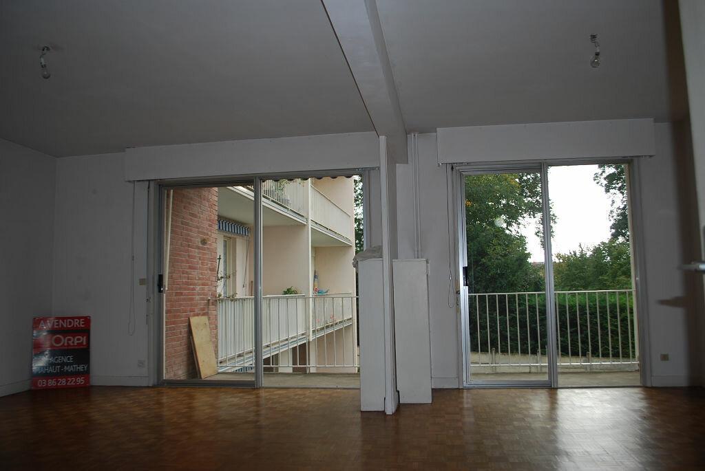 Achat Appartement 3 pièces à Cosne-Cours-sur-Loire - vignette-7