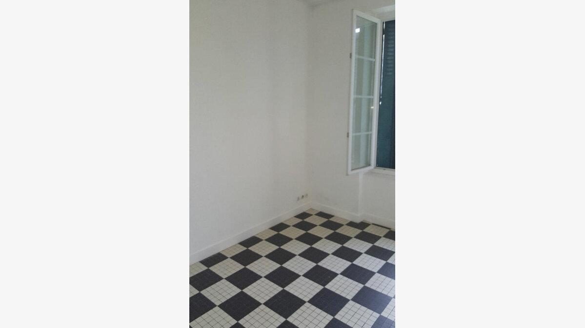 Location Appartement 4 pièces à La Chapelle-Montlinard - vignette-1