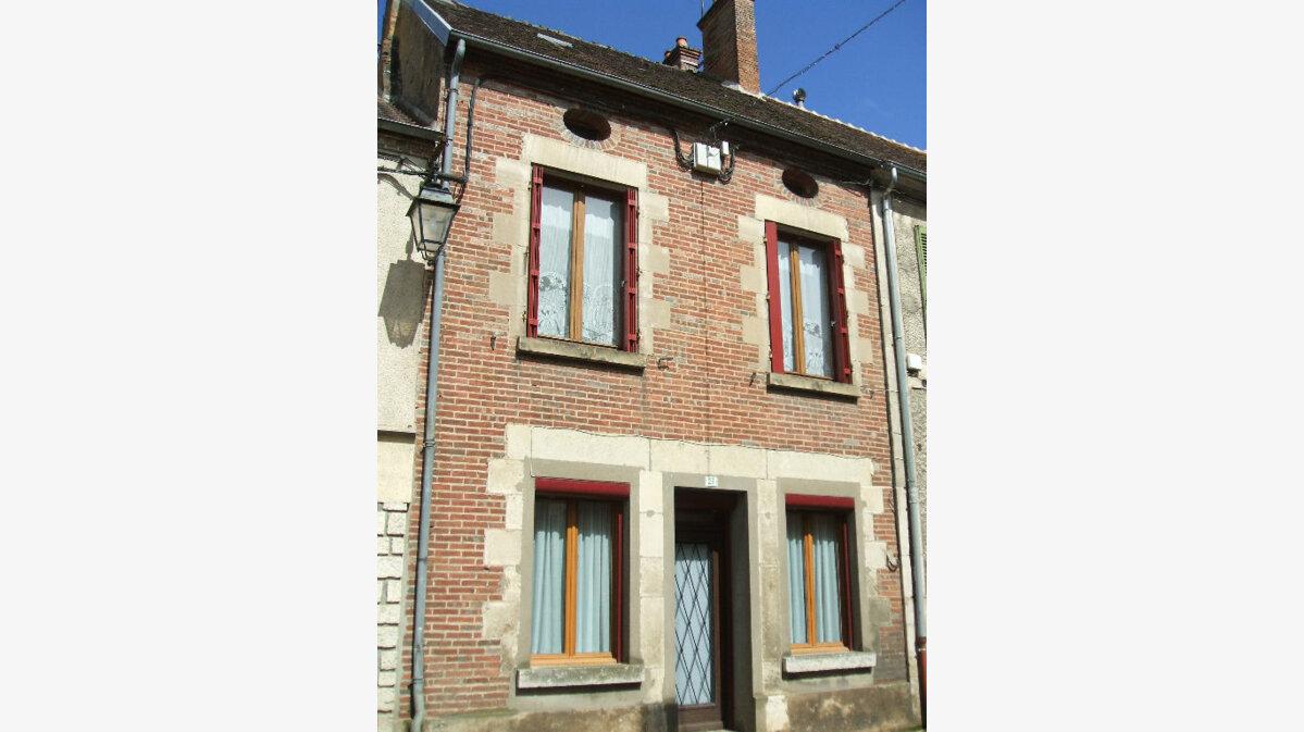 Achat Maison 4 pièces à Saint-Amand-en-Puisaye - vignette-1