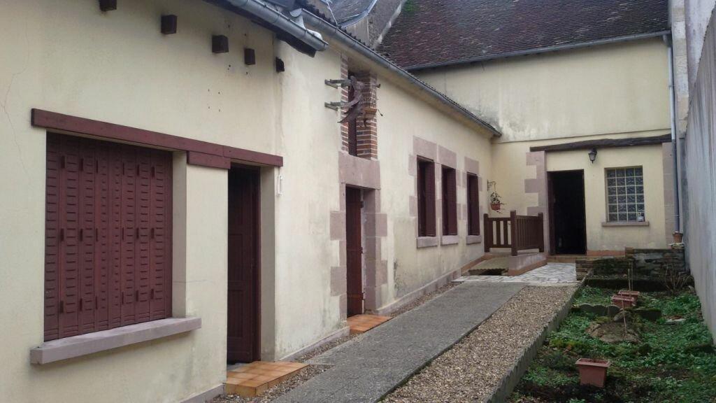 Achat Maison 3 pièces à Châteauneuf-Val-de-Bargis - vignette-1
