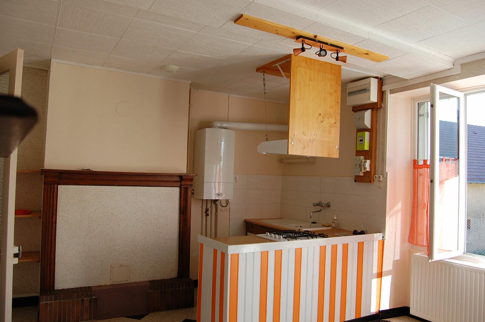 Location Maison 3 pièces à Crézancy-en-Sancerre - vignette-1