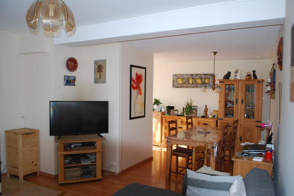 Achat Maison 4 pièces à Sens-Beaujeu - vignette-3