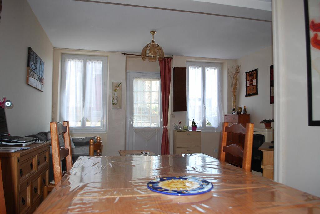 Achat Maison 4 pièces à Sens-Beaujeu - vignette-4