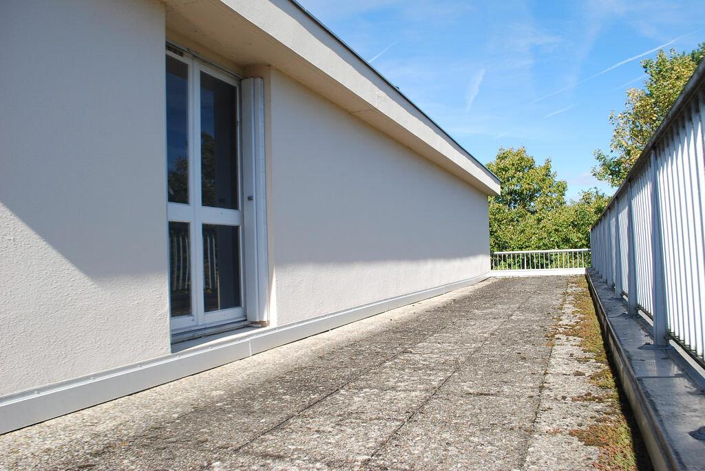 Achat Appartement 4 pièces à Cosne-Cours-sur-Loire - vignette-1