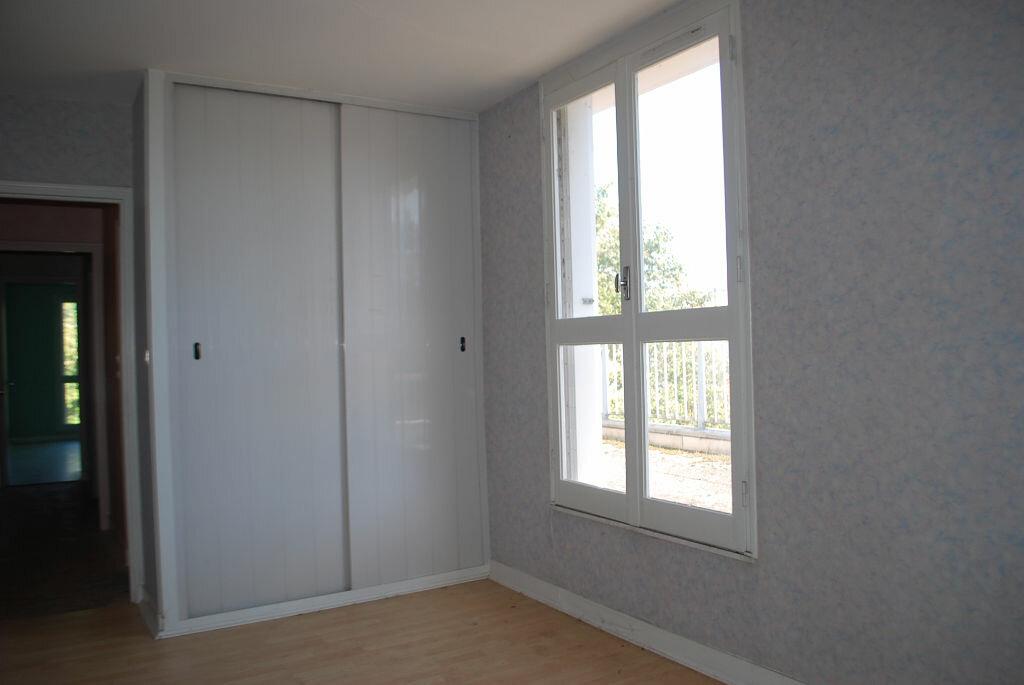 Achat Appartement 4 pièces à Cosne-Cours-sur-Loire - vignette-6