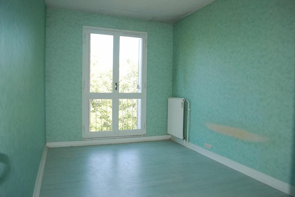 Achat Appartement 4 pièces à Cosne-Cours-sur-Loire - vignette-7