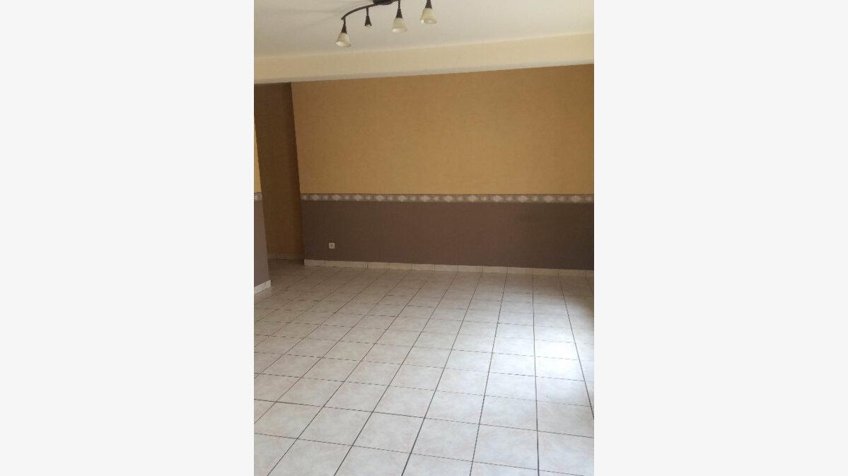 Location Appartement 4 pièces à Sainte-Marguerite - vignette-3