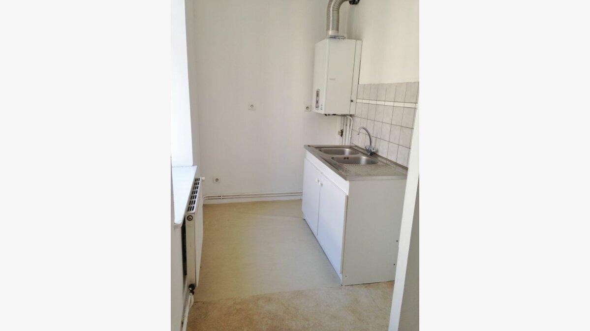 Location Appartement 3 pièces à Badonviller - vignette-3
