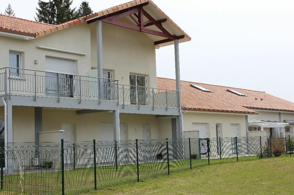 Location Appartement 3 pièces à Serres-Castet - vignette-1