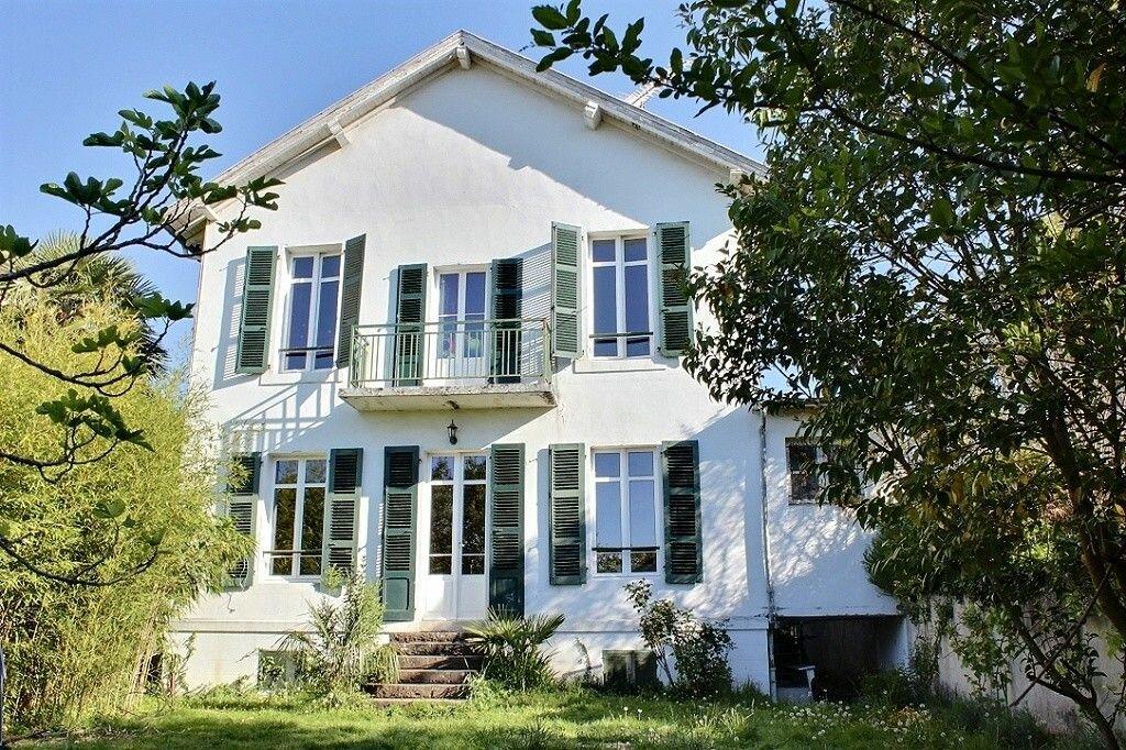 Achat Maison 7 pièces à Pau - vignette-1
