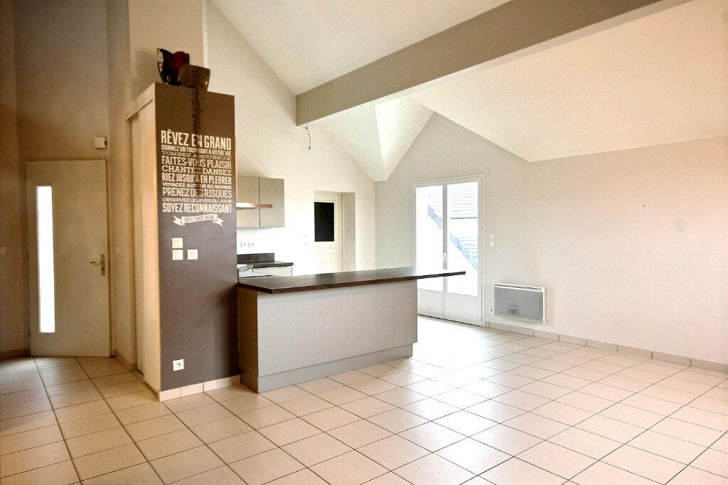 Achat Appartement 4 pièces à Sauvagnon - vignette-2
