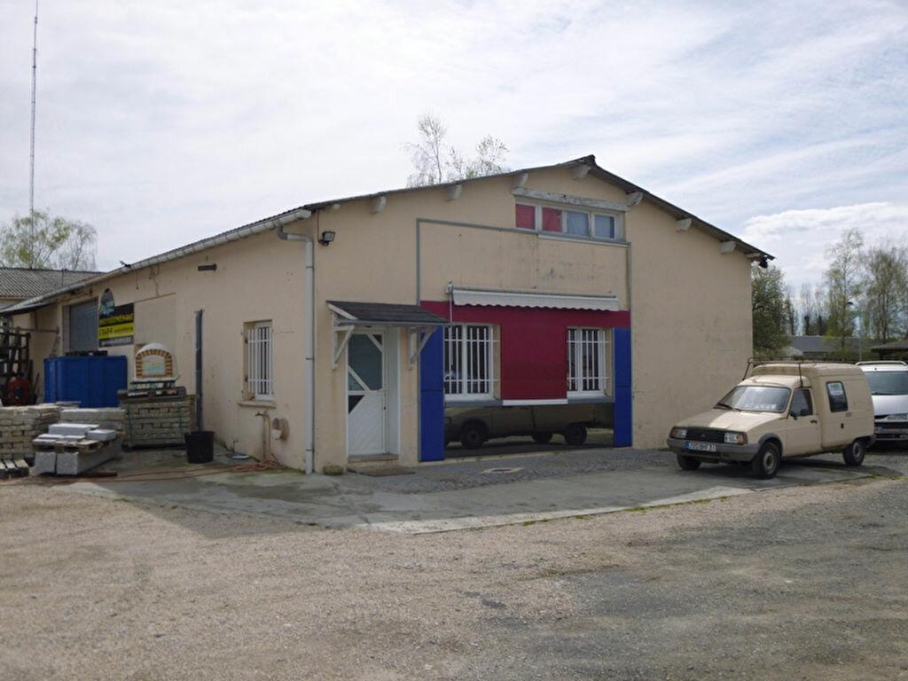 Achat Entrepôt  à Serres-Castet - vignette-1