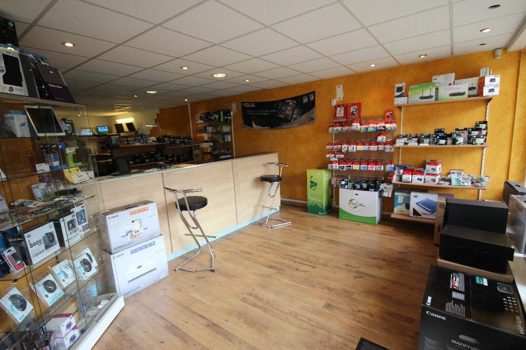 Achat Local commercial  à Montardon - vignette-1