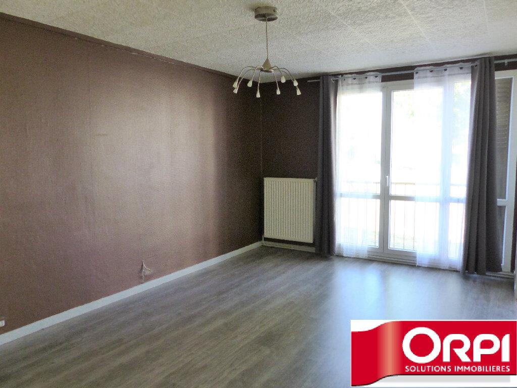 Achat Appartement 4 pièces à Saint-Martin-d'Hères - vignette-2