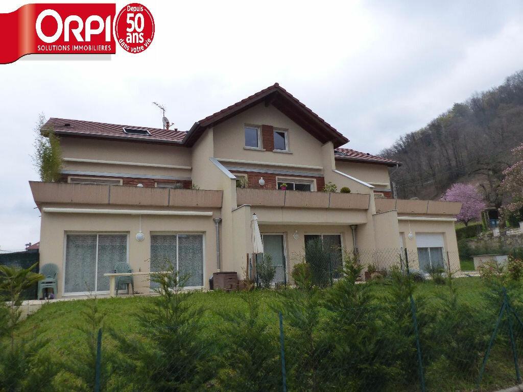 Location Appartement 4 pièces à Villard-Bonnot - vignette-1